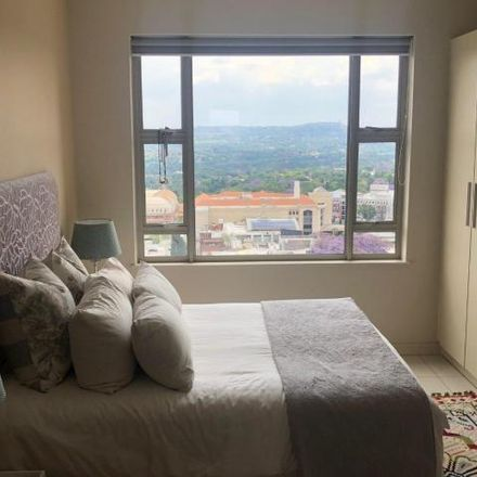 Rent this 2 bed apartment on Crowne Plaza - The Rosebank in Tyrwhitt Avenue, Johannesburg Ward 117