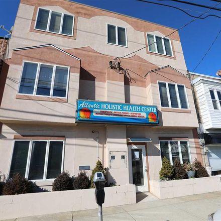 Rent this 3 bed apartment on 6717 Atlantic Avenue in Ventnor City, NJ 08406