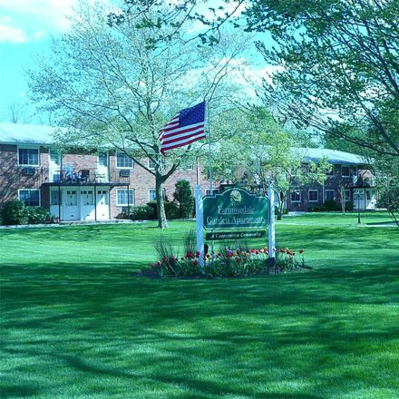 Rent this 1 bed apartment on Melville Road in Farmingdale, NY 11735