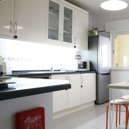 Rent this 2 bed apartment on Rua Engenheiro Adelino Amaro da Costa in 2775-079 Carcavelos e Parede, Portugal