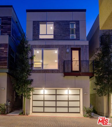 Rent this 3 bed house on Wright St in Los Angeles, CA