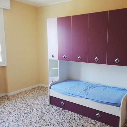 Rent this 4 bed room on Via Domenico Cimarosa in 60, 41122 Modena MO