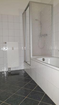 3 Bed Apartment At Limbacher Strasse 28 09113 Chemnitz
