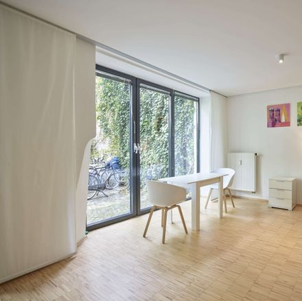 Rent this 1 bed apartment on Jahnstraße 35 in 80469 Munich, Germany