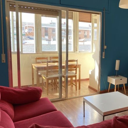 Rent this 4 bed apartment on Calle de Linneo in 28001 Madrid, Spain