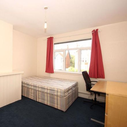 Rent this 2 bed apartment on 346 Cowley Road in Oxford OX4 2AG, United Kingdom