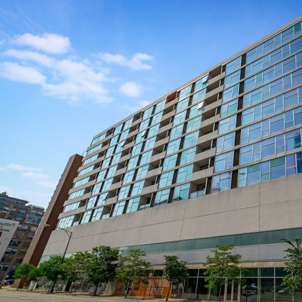 Rent this 2 bed loft on 630 North Franklin Street in Chicago, IL 60610