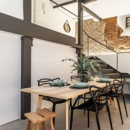 Rent this 2 bed apartment on Harold's Fried Chicken in Liberty Street, 28001 Madrid