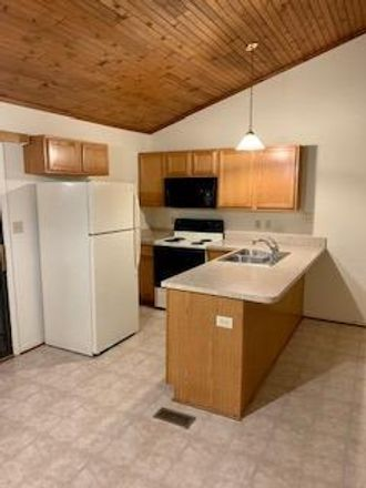 Rent this 2 bed apartment on 2597 Knightsbridge Lane in Lexington, KY 40505-4011