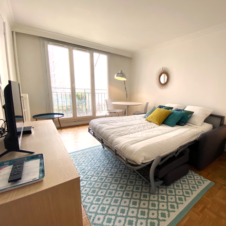 Rent this 1 bed apartment on Frères Missionnaires de la Charité in Rue Violet, 75015 Paris
