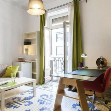 Rent this 3 bed room on Carrer del General San Martín in 16, 46004 Valencia