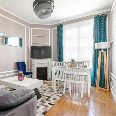 Rent this 2 bed apartment on 7 Rue Sarasate in 75015 Paris, France