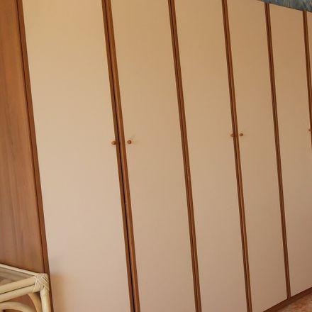 Rent this 3 bed room on Viale Leonardo da Vinci in 83, 00145 Roma RM