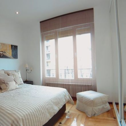 Rent this 3 bed apartment on Parquímetro in Calle Maudes, 28001 Madrid