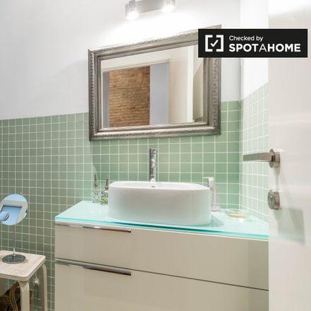 Rent this 2 bed apartment on Parroquia San Bartolomé in Avinguda del Regne de València, 60