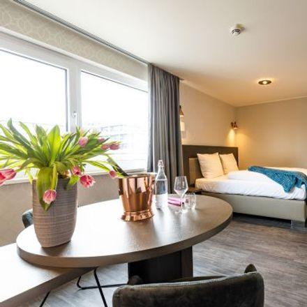 Rent this 1 bed apartment on Münchner Industriebuchbinderei Urban Meister in Bahnhofstraße 5, 85609 Aschheim