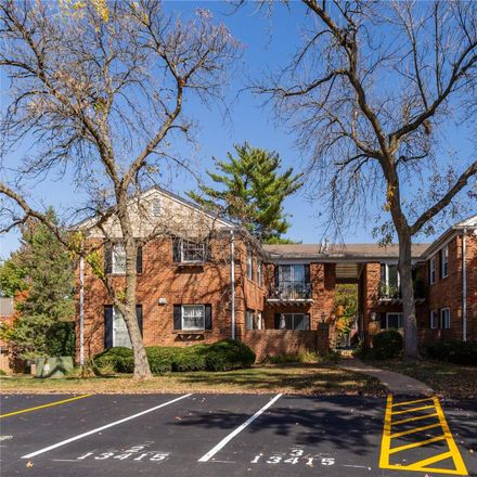 Rent this 2 bed condo on 13415 Land O Woods Drive in Chesterfield, MO 63141