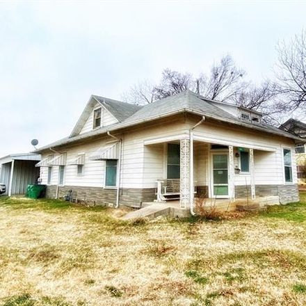 Rent this 3 bed house on 301 West Belknap Street in Jacksboro, TX 76458