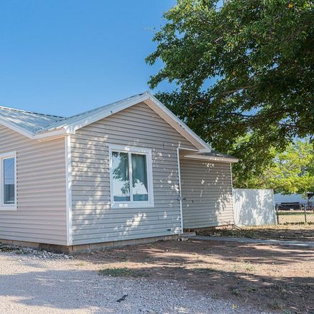 Rent this 2 bed house on SE 2nd St in Seminole, TX