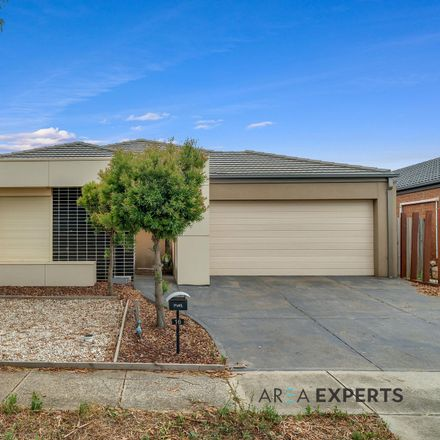 Rent this 4 bed house on 16 Lomandra Street