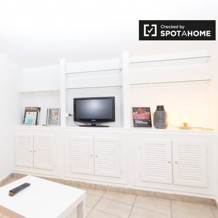 Rent this 0 bed apartment on Calle de Hernán Cortés in 18, 28004 Madrid