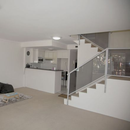 Rent this 2 bed apartment on 16/152 Bulwara Road