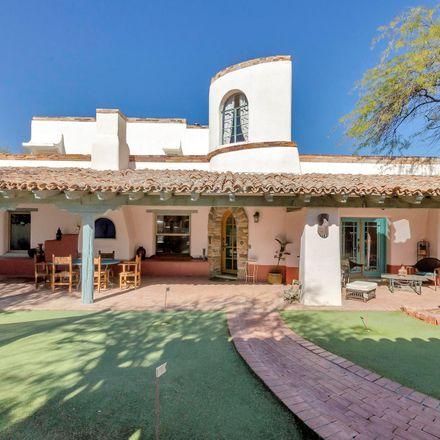 Rent this 3 bed loft on 1125 East Seneca Street in Tucson, AZ 85719