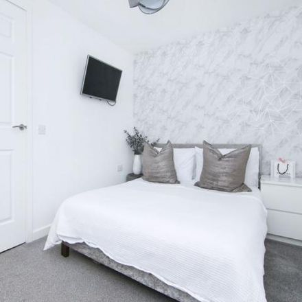 Rent this 2 bed house on 8 Lingerwood Lane in City of Edinburgh EH16 4GG, United Kingdom
