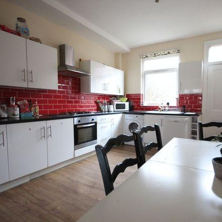 Rent this 6 bed house on Back Headingley Avenue in Leeds LS6 3ET, United Kingdom