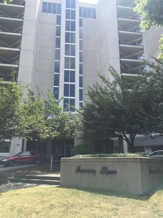 Rent this 1 bed condo on 19th Ave S in Nashville, TN