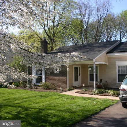 Rent this 3 bed house on 12705 Taustin Lane in Herndon Heights, VA 20170