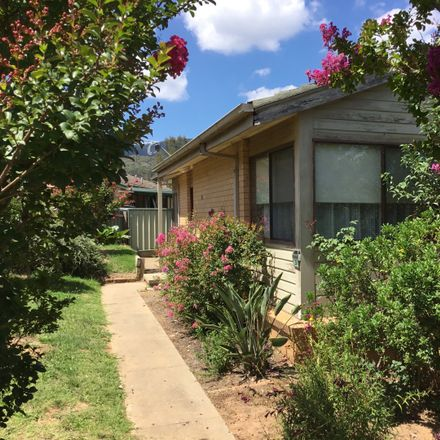 Rent this 3 bed house on 20 Rangeview