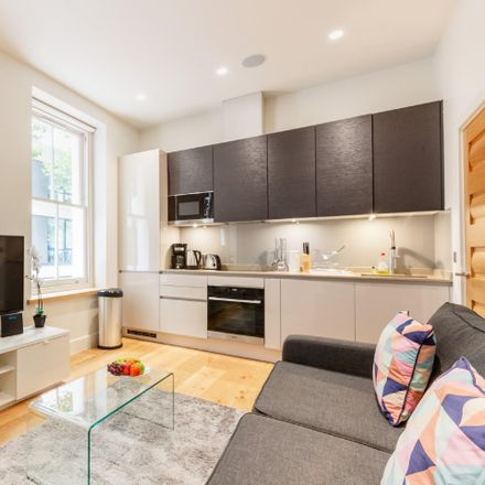 Rent this 1 bed apartment on London W1T 4QE