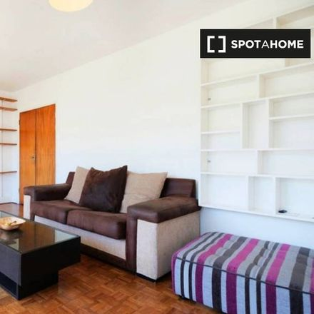 Rent this 2 bed apartment on London SW4 8LB