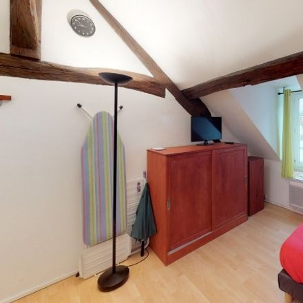 Rent this 1 bed apartment on 7 Rue du Conventionnel Geoffroy in 77300 Fontainebleau, France
