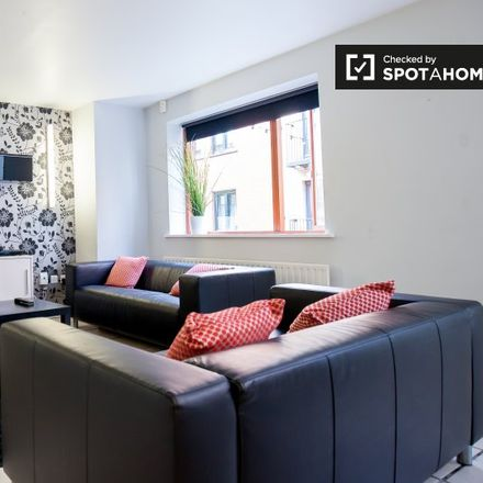 Rent this 3 bed apartment on Temple Bar in Price's Lane, Royal Exchange A ED