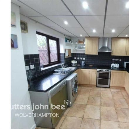 Rent this 3 bed house on Jasmine Close in Wolverhampton WV9 5RJ, United Kingdom