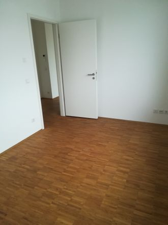 Rent this 4 bed apartment on Glasbläserhöfe 9 in 21035 Hamburg, Germany