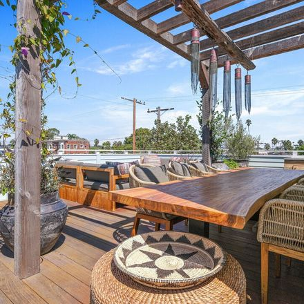 Rent this 3 bed house on 255 Market Street in Los Angeles, CA 90291