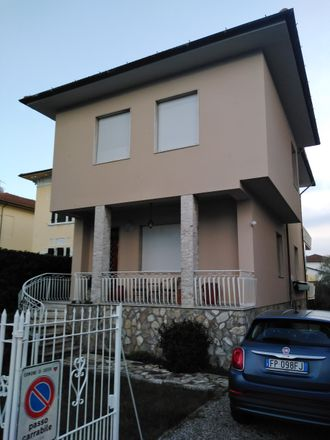 Rent this 0 bed room on F.lli Nicoletti in Viale Giovanni Pacini, 22