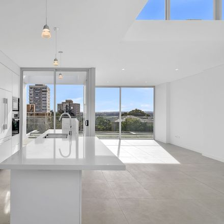Rent this 3 bed apartment on 401/59 Parraween Street