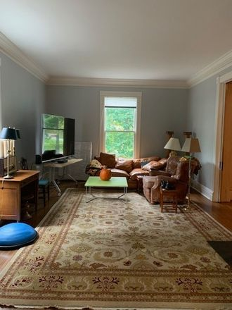 Rent this 4 bed townhouse on 415 East Deerpath Road in Lake Forest, IL 60045