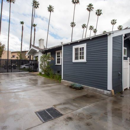 Rent this 3 bed townhouse on Gardena Avenue in Glendale, CA 91204