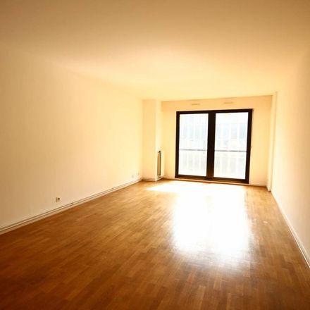 Rent this 4 bed apartment on Mairie du 15e Arrondissement in Rue Péclet, 75015 Paris