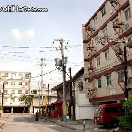 Rent this 1 bed apartment on 7032 Kakarong in Makati, 1207