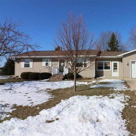 Rent this 3 bed apartment on 803 Country Club Lane in Spencer, IA 51301