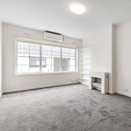 Rent this 2 bed apartment on 9/14 Tivoli Place