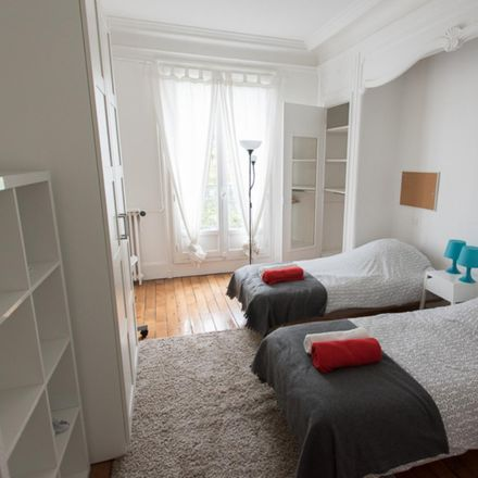 Rent this 4 bed room on 6 Boulevard de Courcelles in 75017 Paris, France