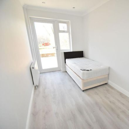 Rent this 1 bed room on Saxon Drive in London W3 0NX, United Kingdom