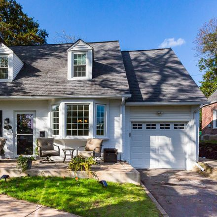 Rent this 3 bed house on 226 Fairlamb Ave in Havertown, PA